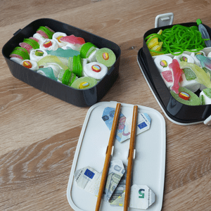 Süßes Sushi in der Bentobox