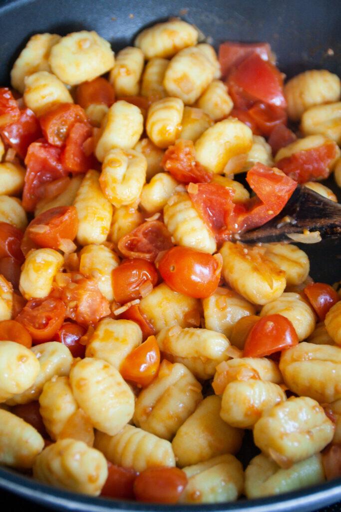 Gnocchipfanne mit Tomaten