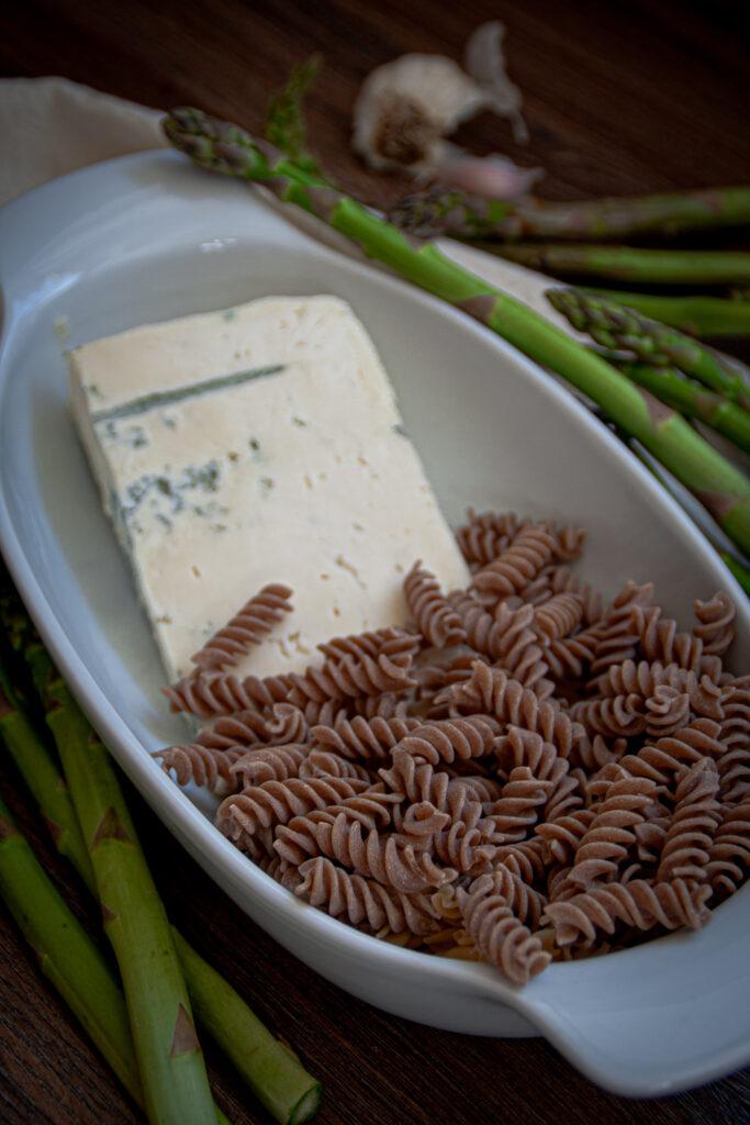 Zutaten für Gorgonzola Nudeln mit grünem Spargel