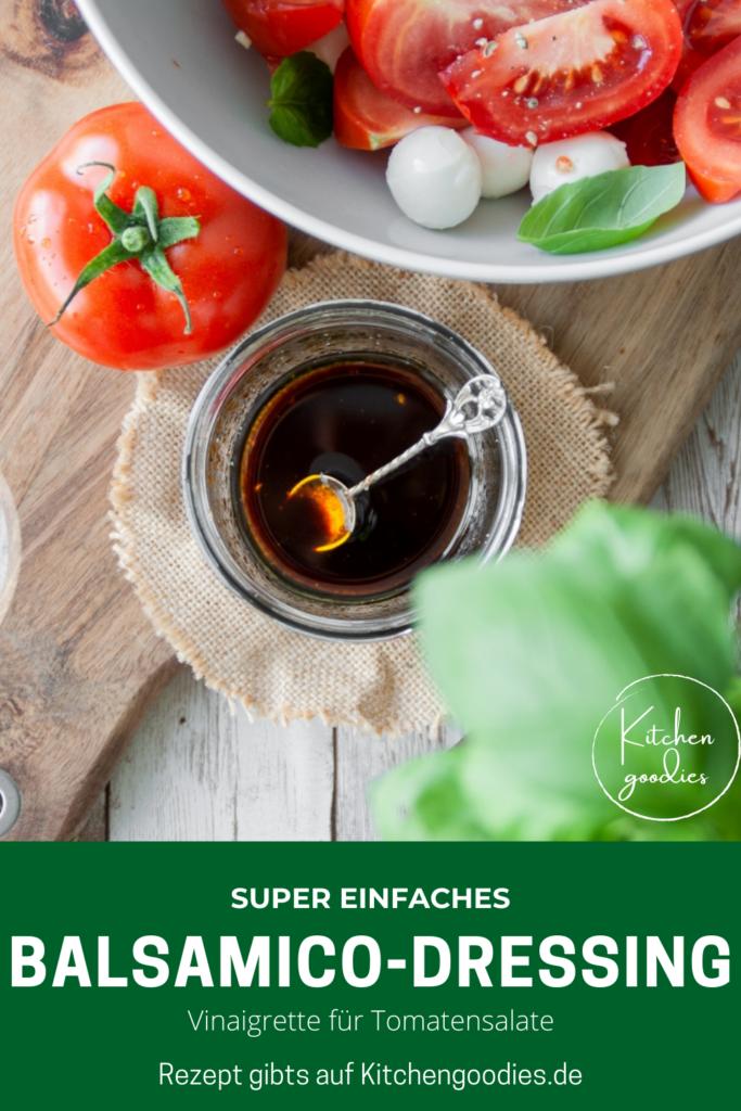 Das einfachste Rezept für Balsamico-Dressing, das ihr jemals machen werdet! Diese klassische Salat-Vinaigrette passt perfekt zu Tomatensalate oder Caprese. Sie ist leicht und schnell angerührt, schmeckt dank Balsamicoessig herrlich nach Sommer und mit diesem Grundrezept für das Dressing, seid ihr für jeden Grillabend gerüstet.